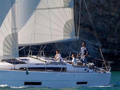Sailboat Dufour 390 Grand Large · 2021