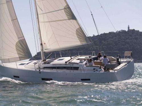 Sailboat Dufour 43 · 2001