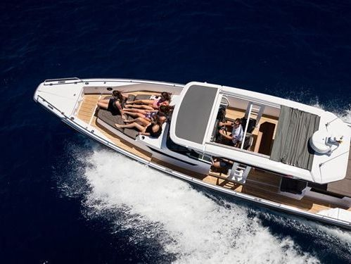 Imbarcazione a motore Axopar 37 ST (2021)