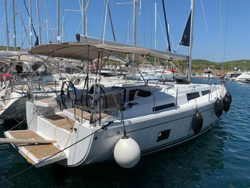 Sailboat Hanse 418 · 2020