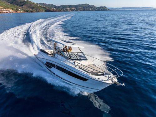 Imbarcazione a motore Jeanneau Cap Camarat 10.5 WA (2021)