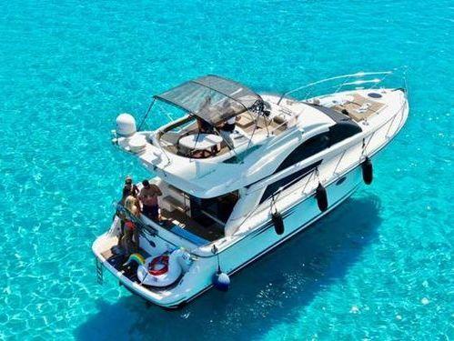 Motorboat Fairline Phantom 43 · 2006