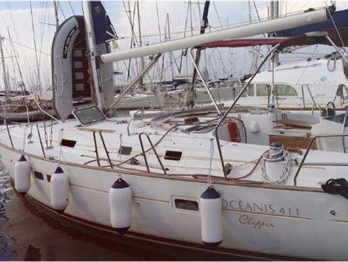 Sailboat Beneteau Oceanis 411 · 2002