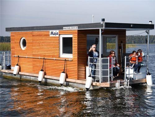 Huisboot Custom Built · 2017