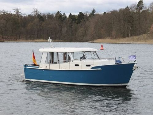 Houseboat Luna 30 · 2014