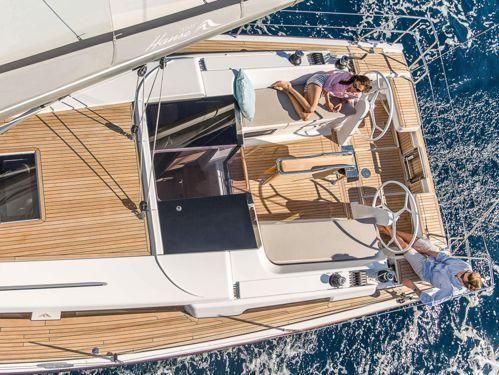 Sailboat Hanse 388 · 2022