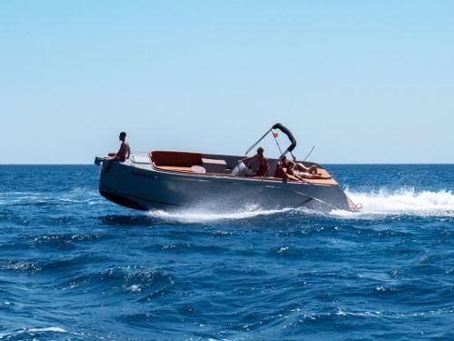 Imbarcazione a motore Maxima 840 · 2021