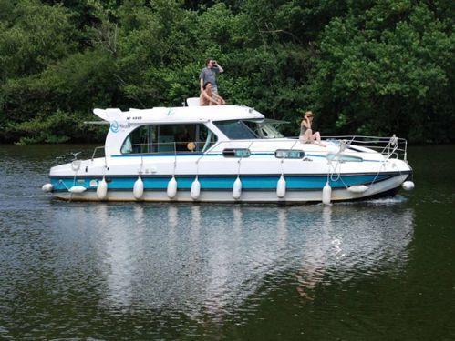 Imbarcazione a motore Nicols Sedan 1170 · 2004