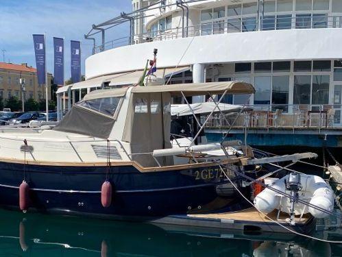 Imbarcazione a motore Menorquin 100 · 2004