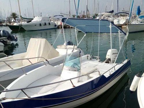 Imbarcazione a motore Lamberti 80 · 2001
