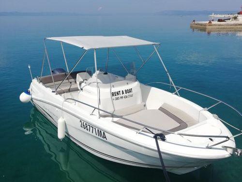 Imbarcazione a motore Cap Camarat 6.5 CC · 2016
