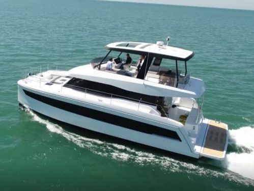 Motor Catamaran Fountaine Pajot MY 44 · 2021