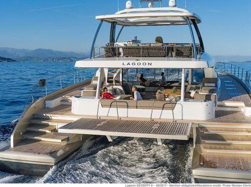 Motor Catamaran Lagoon 78 · 2018