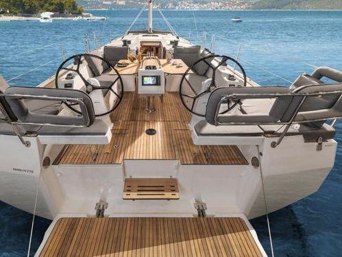 Sailboat Bavaria Cruiser 42 · 2022