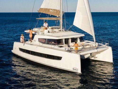 Catamaran Bali 4.8 · 2022