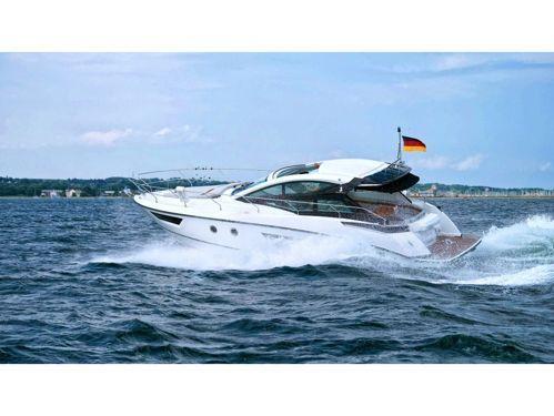 Motorboat Beneteau Gran Turismo 40 · 2020