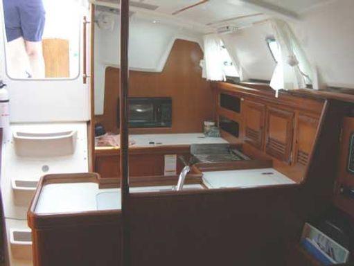 Sailboat Beneteau Oceanis 361 · 2001 (1)