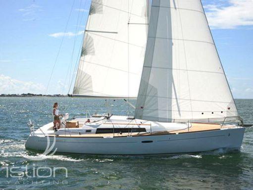 Velero Beneteau Oceanis 37 · 2009 (reacondicionamiento 2013) (0)
