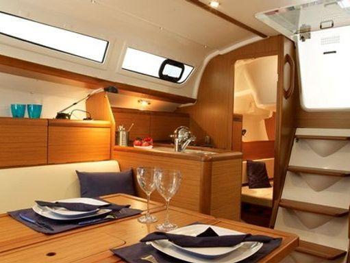 Sailboat Jeanneau Sun Odyssey 30 i · 2012 (2)