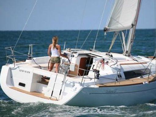 Velero Beneteau Oceanis 37 · 2009 (reacondicionamiento 2013) (1)