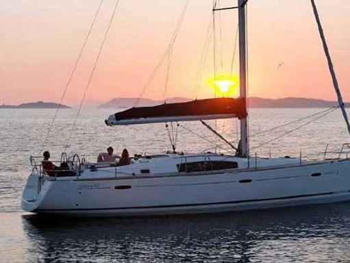 Sailboat Beneteau Oceanis 43 · 2008 (1)