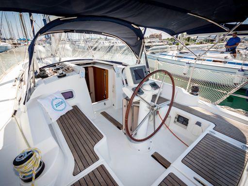 Sailboat Beneteau Oceanis 34 · 2009 (4)
