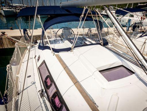 Sailboat Beneteau Oceanis 34 · 2009 (1)