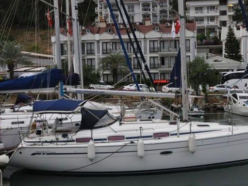 Sailboat Bavaria Cruiser 37 · 2006 (2)