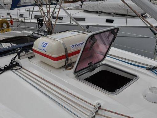 Sailboat Bavaria Cruiser 37 · 2006 (4)