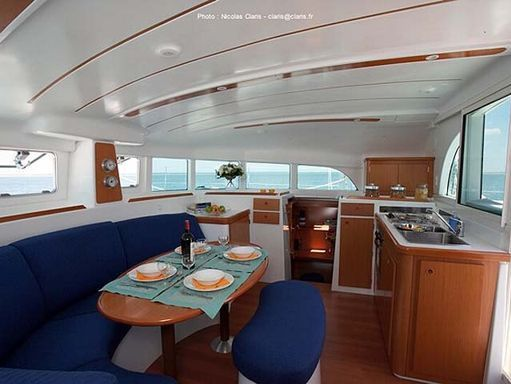 Catamaran Lagoon 380 S2 · 2006 (1)