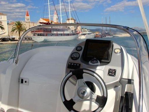 Speedboat Beneteau Flyer 550 Sun Deck · 2008 (4)