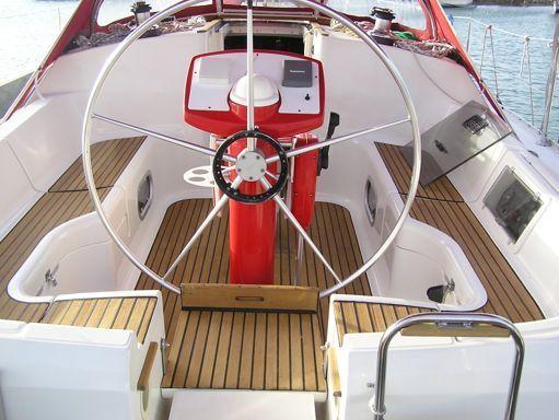 Sailboat Jeanneau Sun Odyssey 37.1 · 1996 (refit 2010) (2)