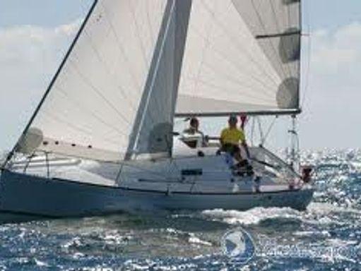 Sailboat Beneteau First 27.7S · 2009 (1)
