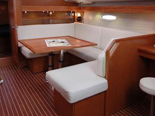 Velero Bavaria Cruiser 43 · 2009 (reacondicionamiento 2022) (2)