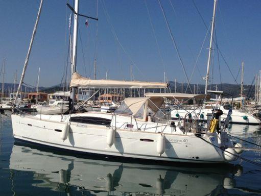 Segelboot Beneteau Oceanis 40 · 2010 (0)