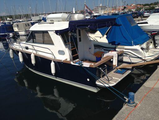 Barco a motor Adria Event 850 · 2011 (reacondicionamiento 2016) (4)