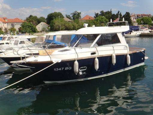 Barco a motor Adria Event 850 · 2011 (reacondicionamiento 2016) (0)