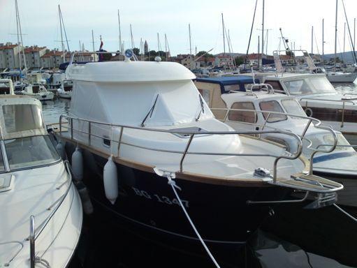 Barco a motor Adria Event 850 · 2011 (reacondicionamiento 2016) (1)