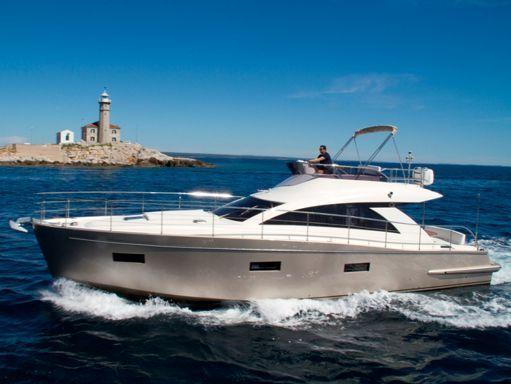 Barco a motor cyrus 13.8 Flybridge - 2012 (reacondicionamiento 2018) (4)