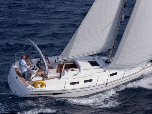 Velero Bavaria Cruiser 32 (2010) (2)