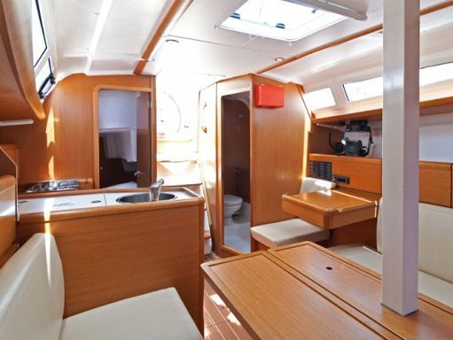 Sailboat Jeanneau Sun Odyssey 33 i · 2011 (4)