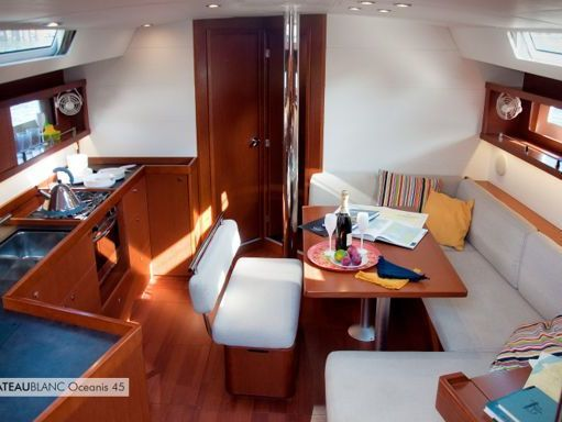 Sailboat Beneteau Oceanis 45 · 2015 (1)