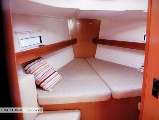 Sailboat Bavaria Cruiser 40 · 2011 (4)