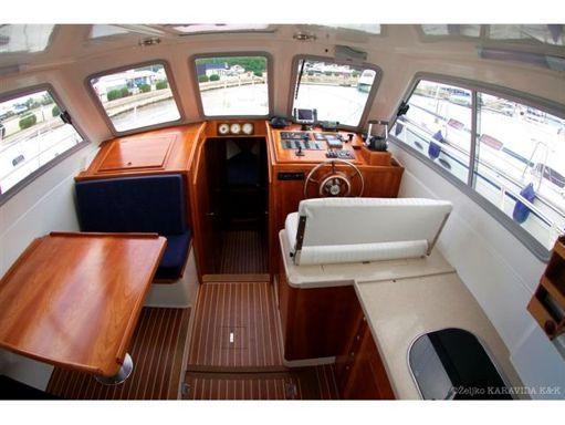 Barco a motor Sas Vektor Adria 1002 · 2011 (4)