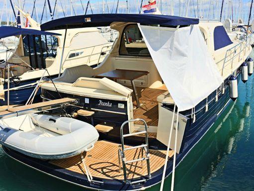 Barco a motor Sas Vektor Adriana 44 · 2012 (2)