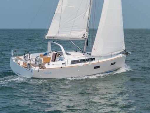 Sailboat Beneteau Oceanis 38 · 2014 (2)