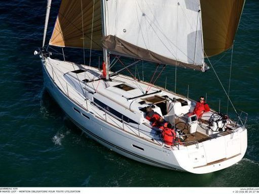 Velero Jeanneau Sun Odyssey 439 · 2012 (2)