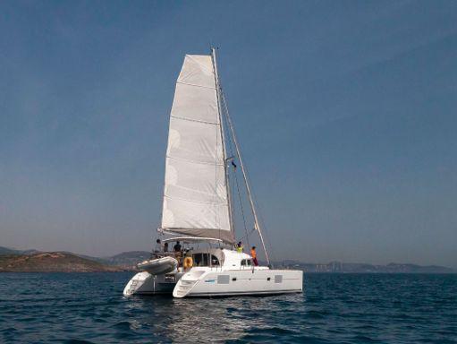 Catamaran Lagoon 380 S2 · 2009 (refit 2015) (0)