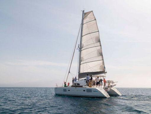 Catamaran Lagoon 380 S2 · 2009 (refit 2015) (2)