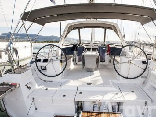 Sailboat Beneteau Oceanis 45 · 2016 (2)